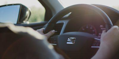 誰もが知るべき安全運転のコツ