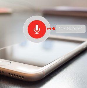 スマートフォン 296x300 - 2019年夏よりGoogle Assistantにドライビングモードが登場