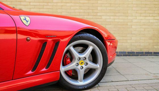 フェラーリ車 560x320 - 世界で一番有名な車ブランド