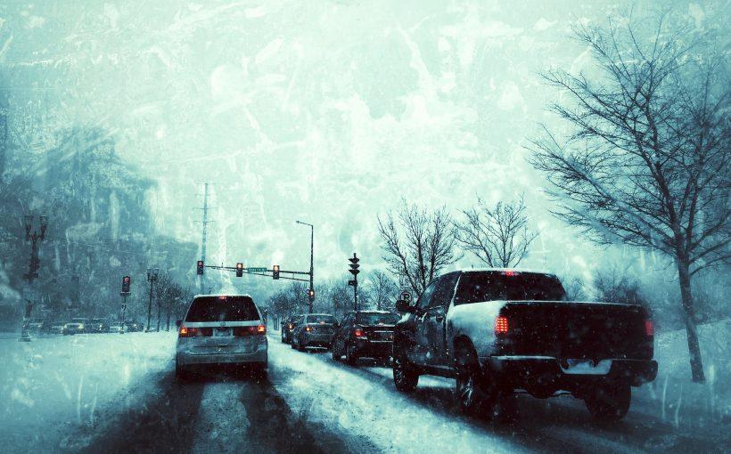 道路 820x510 - 冬の運転のコツ