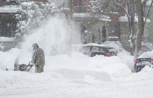 雪 300x192 - 冬の運転のコツ