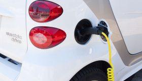 電気自動車 280x160 - 環境にやさしい車と、避けるべき車とは?