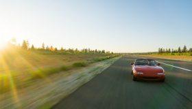 赤い車 280x160 - 試乗をする際にチェックするポイントを紹介