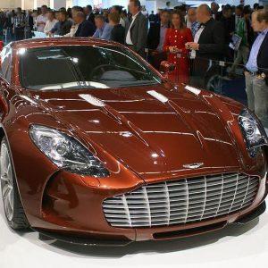 アストンマーティンワン77カー 300x300 - 男心をくすぐる、最高のスポーツカーを紹介
