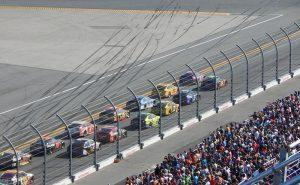 デイトナ500 300x185 - 世界最大のカーレース