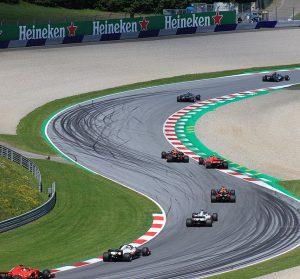 F1オーストリア2018レース 300x279 - 車のレースにはどんな種類があるの?世界の有名カーレースを紹介