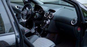 オープンカー 300x162 - 新車を購入する際のポイント